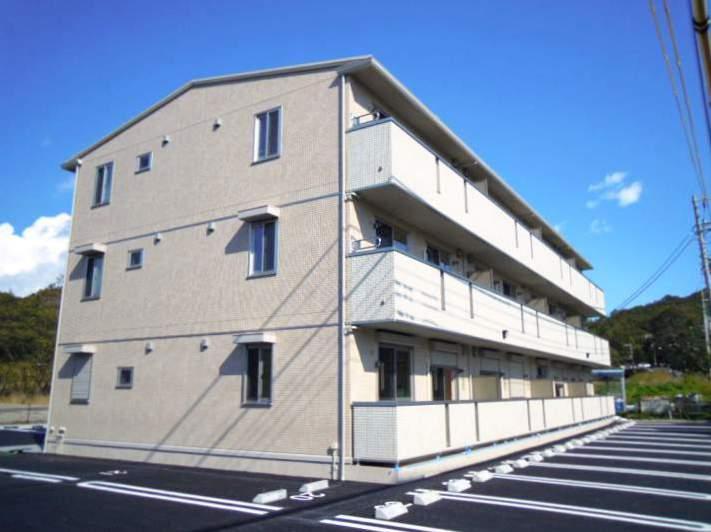 静岡県三島市、大場駅徒歩18分の築5年 3階建の賃貸アパート