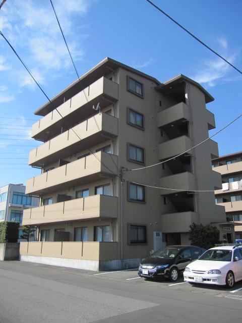 静岡県駿東郡長泉町、長泉なめり駅徒歩13分の築13年 5階建の賃貸マンション