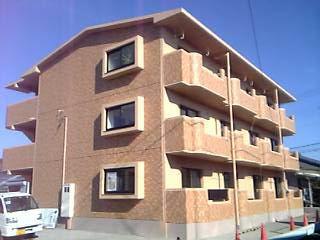 静岡県駿東郡長泉町、三島駅徒歩12分の築13年 3階建の賃貸マンション