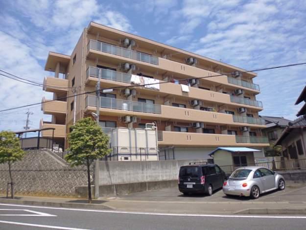 静岡県駿東郡長泉町、三島駅徒歩18分の築10年 4階建の賃貸マンション