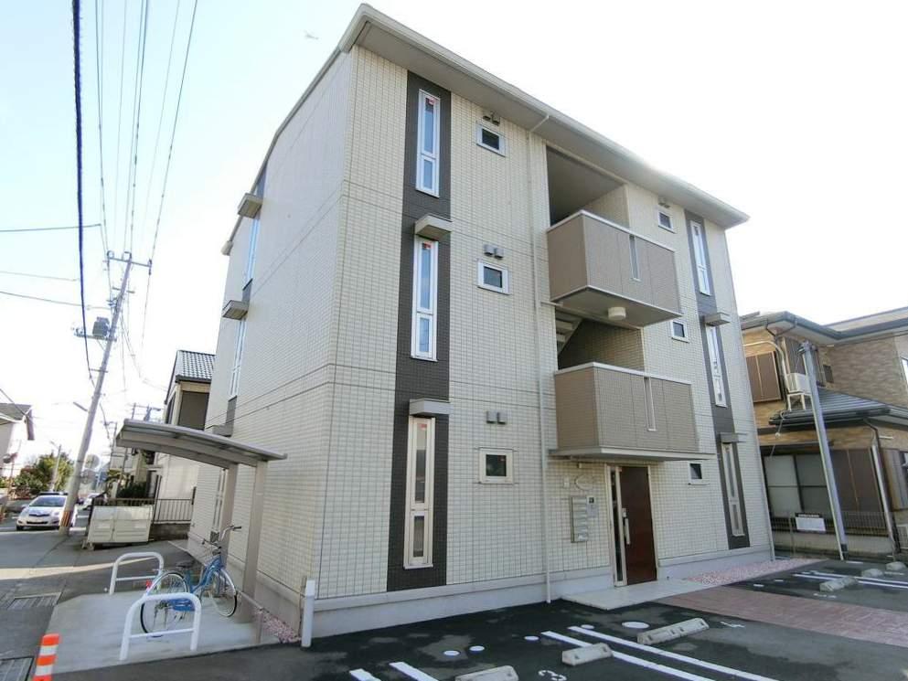 静岡県沼津市の築4年 3階建の賃貸アパート