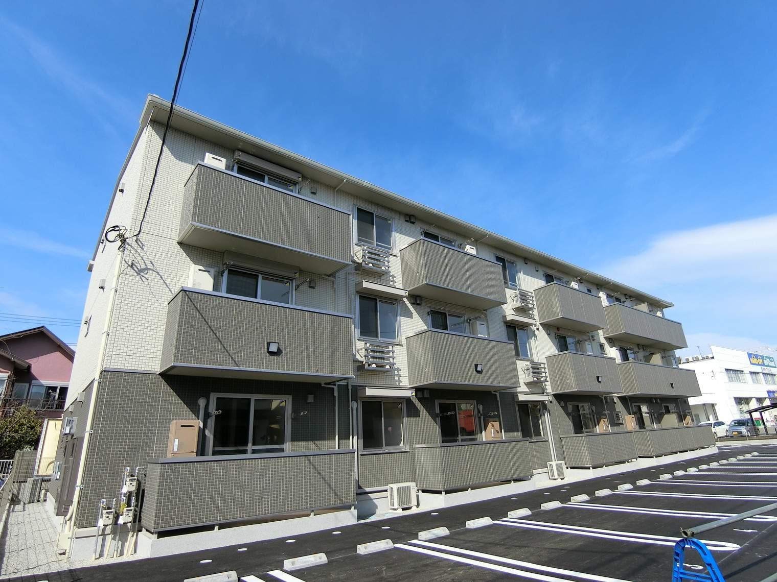 静岡県沼津市、大岡駅徒歩21分の新築 3階建の賃貸アパート