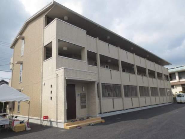静岡県駿東郡長泉町、三島駅徒歩19分の築5年 3階建の賃貸アパート