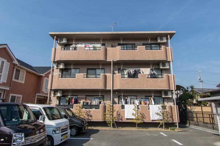 静岡県焼津市、焼津駅徒歩16分の築13年 3階建の賃貸マンション