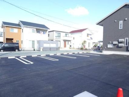 ラ ペ・クロシェットM[1LDK/44.65m2]の駐車場1