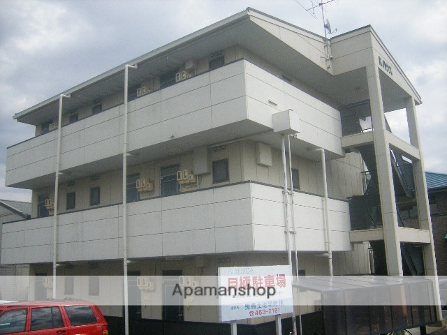 静岡県浜松市中区、助信駅徒歩18分の築18年 3階建の賃貸アパート