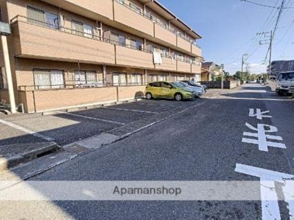 ルシェンテ瓜島[2LDK/50m2]の駐車場