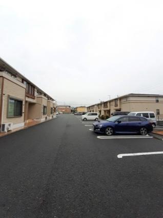 プリムローズ・ガーデン B[2LDK/57.63m2]の駐車場
