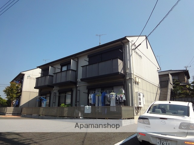 静岡県富士市、富士駅富士急行バスバス25分川坂下車後徒歩2分の築15年 2階建の賃貸アパート