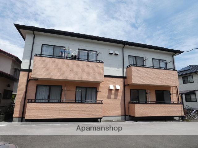 静岡県焼津市の築17年 2階建の賃貸アパート