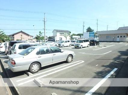 エミネンス加茂川[2DK/57.55m2]の駐車場