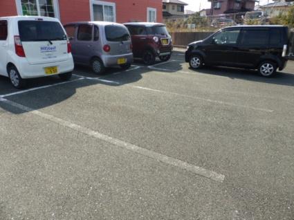 クレストール天伯台I[2LDK/53.51m2]の駐車場