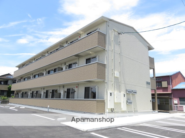 静岡県浜松市中区、浜松駅徒歩13分の築1年 3階建の賃貸アパート
