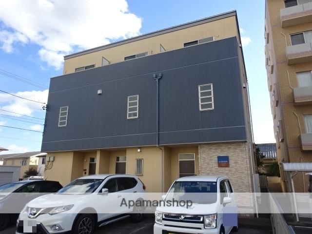 静岡県浜松市中区、浜松駅徒歩20分の築8年 3階建の賃貸テラスハウス