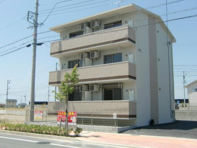 静岡県浜松市浜北区の築4年 3階建の賃貸マンション