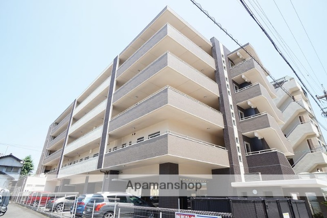 静岡県静岡市葵区、静岡駅徒歩22分の築6年 5階建の賃貸マンション