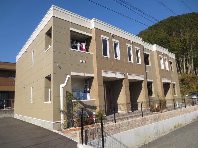 静岡県静岡市葵区、静岡駅しずてつジャストラインバス35分服織小学校入口下車後徒歩9分の築4年 2階建の賃貸アパート