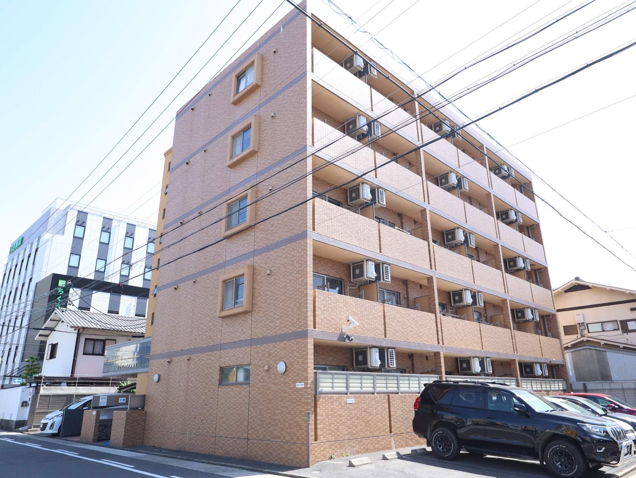 愛知県名古屋市千種区、千種駅徒歩15分の築11年 5階建の賃貸マンション
