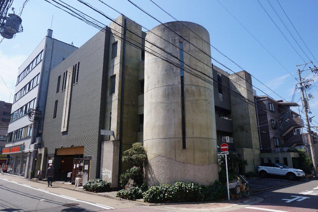 愛知県名古屋市千種区、本山駅徒歩11分の築24年 5階建の賃貸マンション