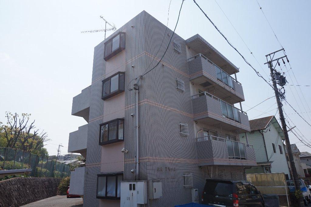 愛知県名古屋市千種区、本山駅徒歩14分の築22年 4階建の賃貸マンション