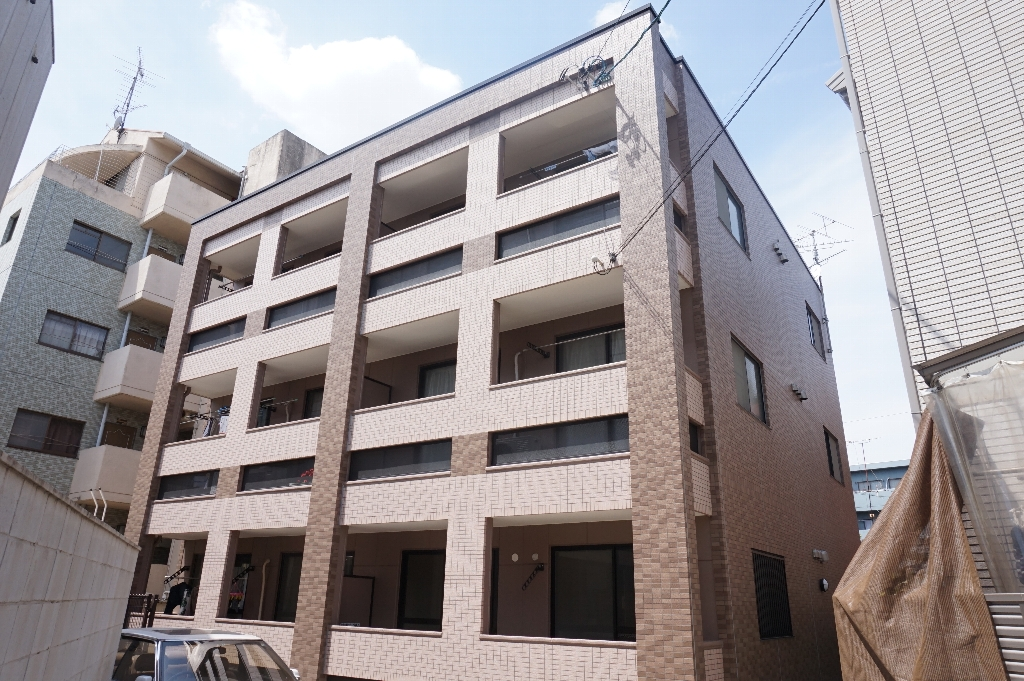 愛知県名古屋市千種区、池下駅徒歩12分の築16年 3階建の賃貸マンション