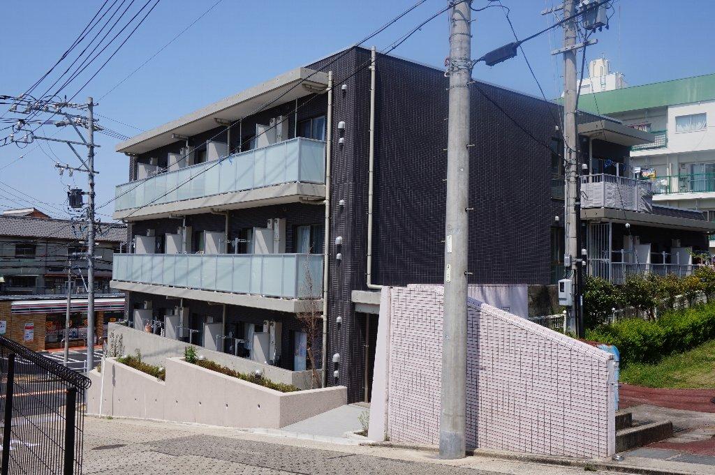 愛知県名古屋市昭和区、覚王山駅徒歩18分の築3年 3階建の賃貸マンション