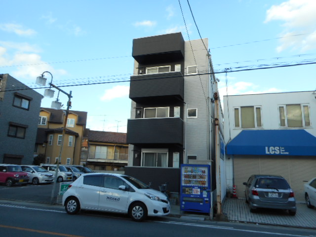 愛知県名古屋市千種区、川名駅徒歩18分の築4年 3階建の賃貸アパート