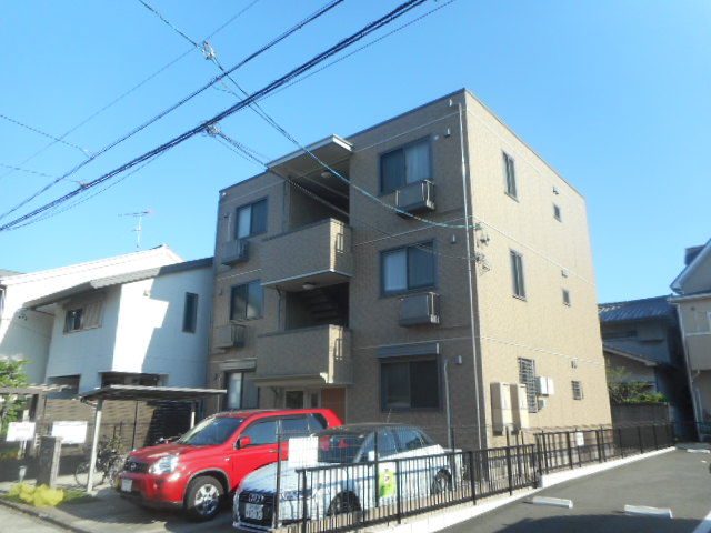 愛知県名古屋市千種区、今池駅徒歩16分の築10年 3階建の賃貸アパート