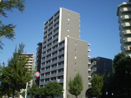 愛知県名古屋市昭和区、本山駅徒歩17分の築9年 15階建の賃貸マンション