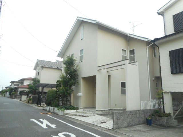 愛知県名古屋市名東区、星ヶ丘駅徒歩14分の築26年 2階建の賃貸一戸建て