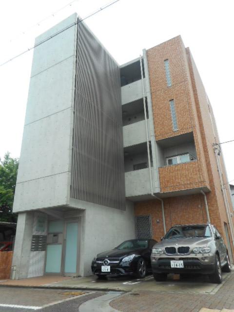 愛知県名古屋市昭和区、川名駅徒歩16分の築6年 4階建の賃貸マンション