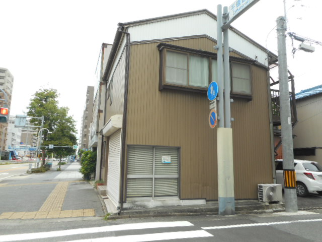 愛知県名古屋市千種区、今池駅徒歩10分の築36年 2階建の賃貸一戸建て