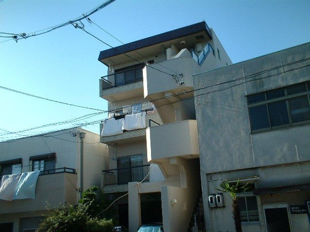 愛知県名古屋市千種区、茶屋ヶ坂駅徒歩17分の築39年 4階建の賃貸アパート