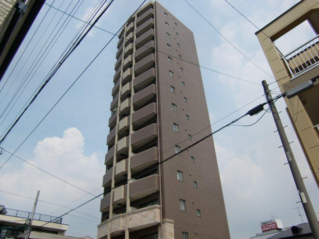 愛知県名古屋市昭和区、鶴舞駅徒歩13分の築8年 14階建の賃貸マンション