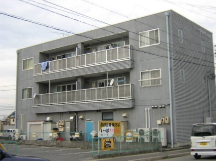 愛知県名古屋市北区、比良駅徒歩20分の築22年 3階建の賃貸マンション