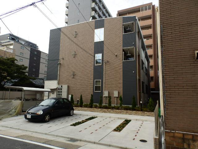 愛知県名古屋市千種区、千種駅徒歩13分の築5年 3階建の賃貸アパート