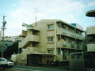 愛知県名古屋市北区、志賀本通駅徒歩18分の築26年 3階建の賃貸マンション