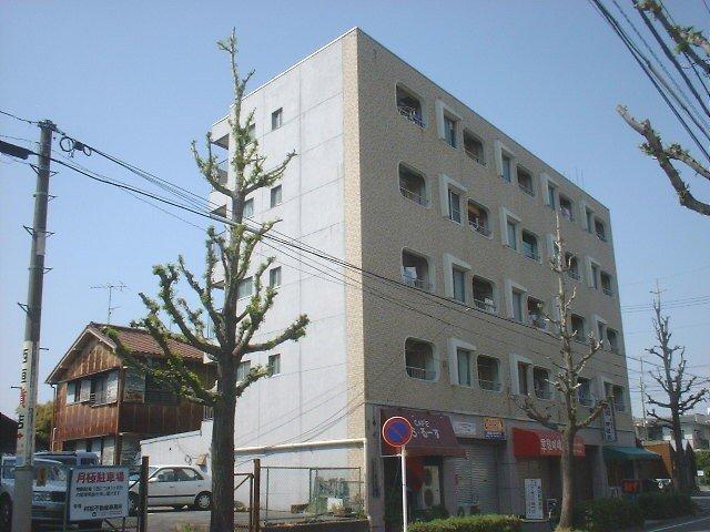 愛知県名古屋市千種区、千種駅徒歩8分の築41年 5階建の賃貸マンション