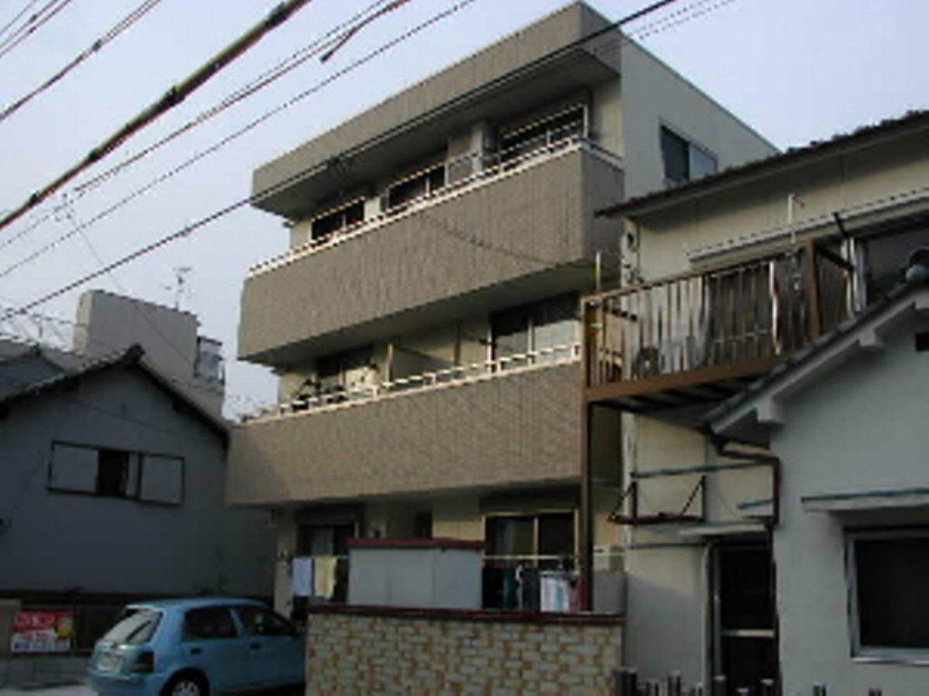 愛知県名古屋市北区、尼ヶ坂駅徒歩12分の築11年 3階建の賃貸マンション