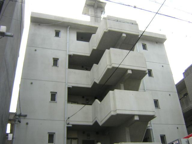 愛知県名古屋市北区、尼ヶ坂駅徒歩13分の築29年 5階建の賃貸マンション