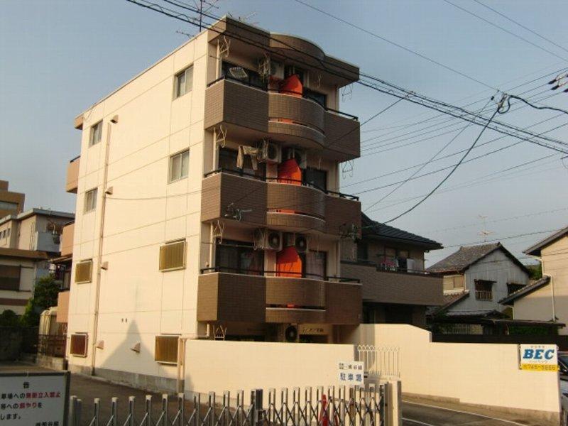 愛知県名古屋市千種区、覚王山駅徒歩9分の築29年 4階建の賃貸マンション