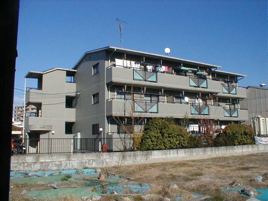 愛知県名古屋市中川区、小本駅徒歩22分の築23年 3階建の賃貸マンション