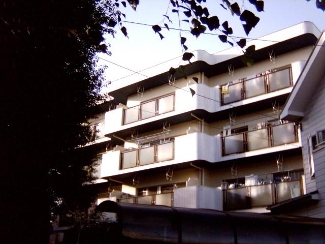 愛知県名古屋市名東区、東山公園駅徒歩30分の築31年 4階建の賃貸マンション
