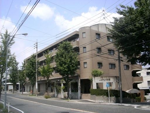 愛知県名古屋市名東区、上社駅徒歩28分の築20年 4階建の賃貸マンション