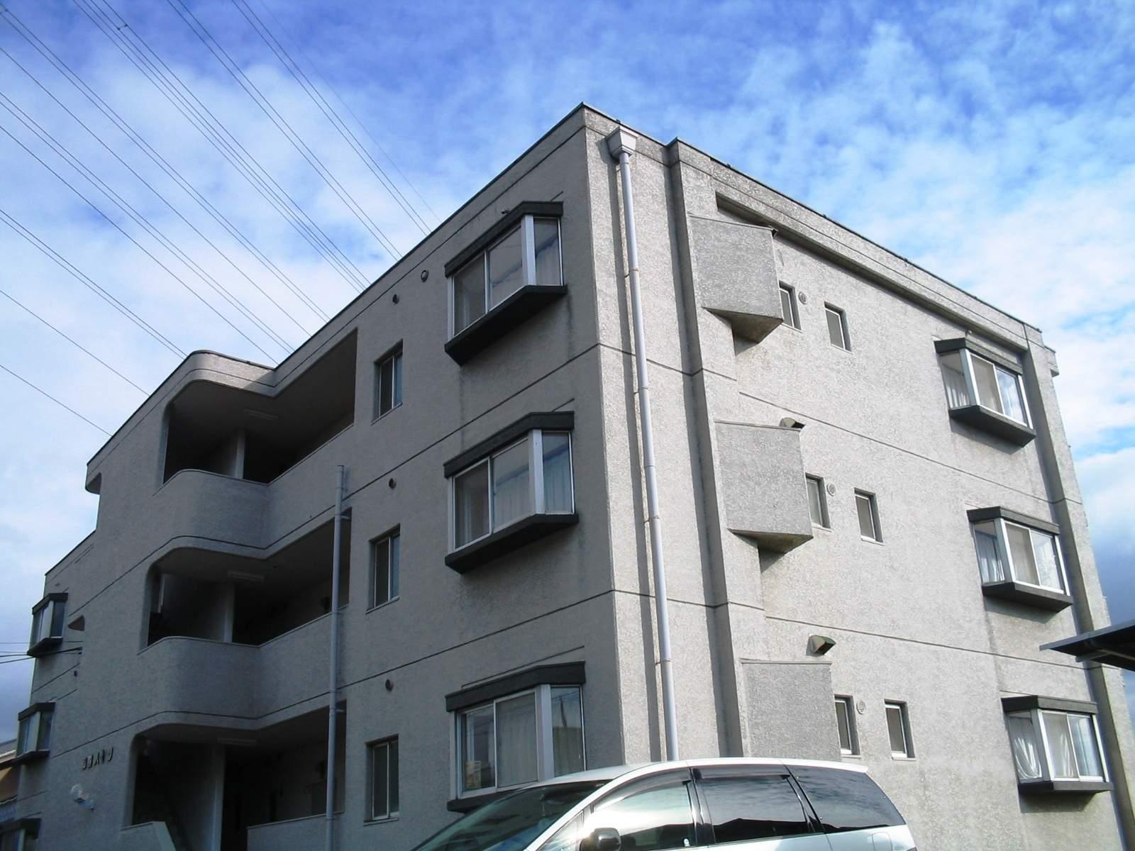 愛知県名古屋市名東区、星ヶ丘駅市バスバス11分新宿下車後徒歩3分の築43年 3階建の賃貸マンション
