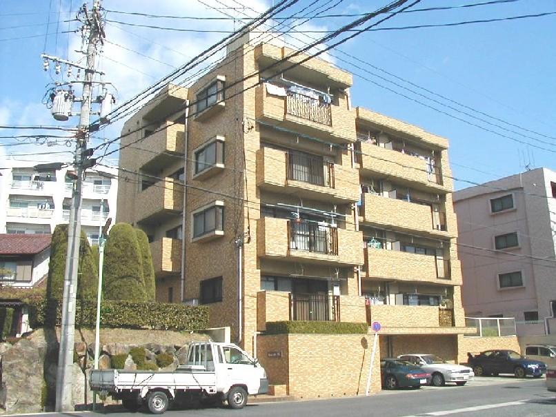 愛知県名古屋市名東区、一社駅徒歩10分の築28年 4階建の賃貸マンション