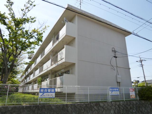 愛知県名古屋市名東区、一社駅徒歩12分の築40年 3階建の賃貸マンション