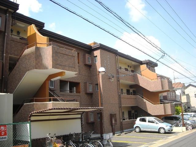 愛知県名古屋市名東区、上社駅徒歩21分の築33年 3階建の賃貸マンション