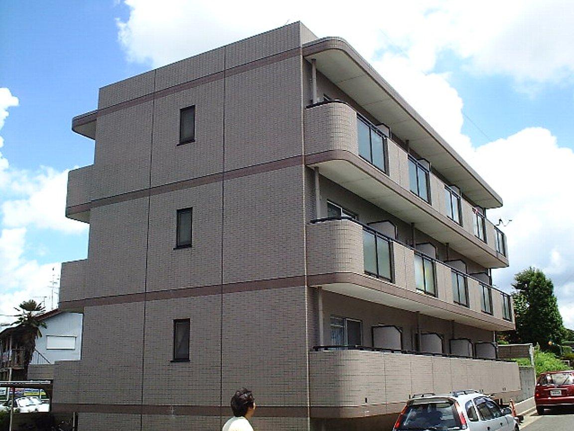 愛知県名古屋市名東区、星ヶ丘駅市バスバス14分大針下車後徒歩5分の築22年 3階建の賃貸マンション