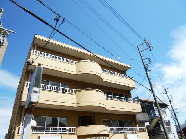 愛知県名古屋市名東区、上社駅徒歩18分の築32年 4階建の賃貸マンション